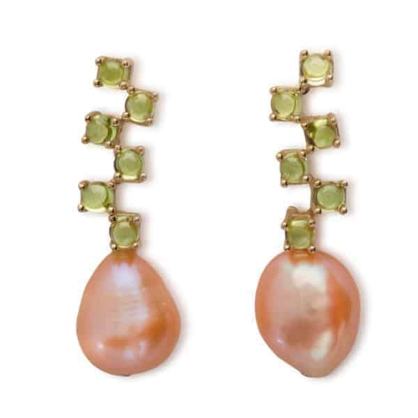Maviada's Cavallo Long drop earrings in 18ct Yellow Gold with freshwater Pink Baroque Pearl and six cascading 3mm Peridot cabochon stones